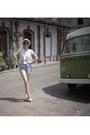 Forever-21-shorts-vintage-blouse