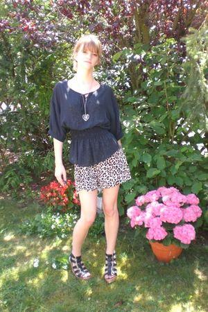 black Zara blouse - black Deichmann shoes