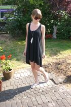 black Vila dress - white H&M necklace