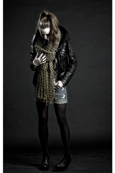 black Theory jacket - blue madewell shorts - black DKNY tights - green Deena&Ozz