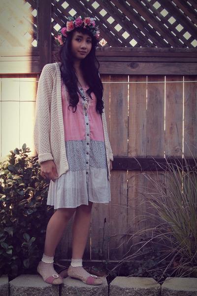 cream knit Roxy cardigan - light pink cotton Wet Seal dress