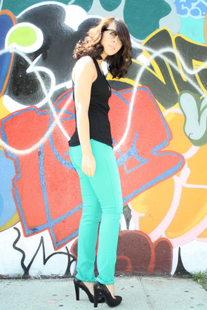 black pumps calvin klein shoes - bluegreen lux uo jeans - black Aqua vest