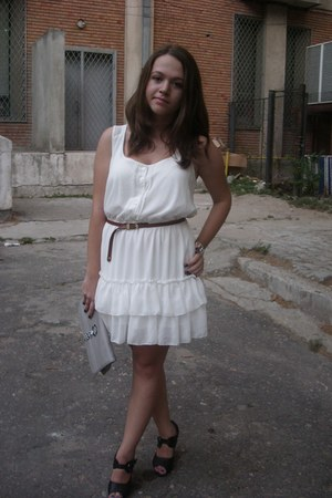 white Bershka dress - off white random brand bag - light brown Bershka belt