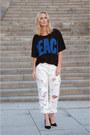 White-trashed-501-diy-jeans-black-pecae-print-acne-t-shirt
