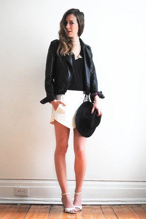white wrap Zara skirt - gold triangle BlackBird necklace