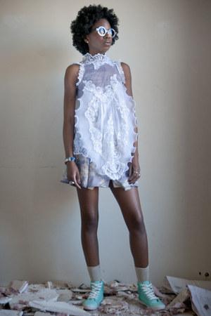 vintage blouse - Pencey skirt - H&M sneakers