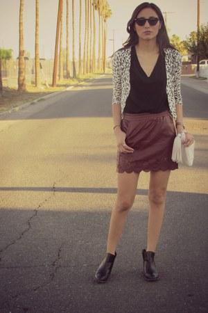 crimson DESV skirt - black Steve Madden boots - ivory H&M bag