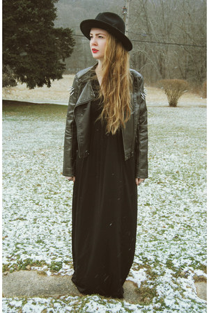 black gifted Koshka dress - black gypsy warrior hat