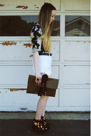 gifted Mink Pink shorts - Tunnel Vision shirt - gifted OASAP bag