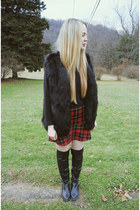 black shoemint boots - red Zara skirt - black Sheinside vest