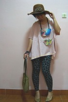hat - cottonink top - leggings - shoes - necklace