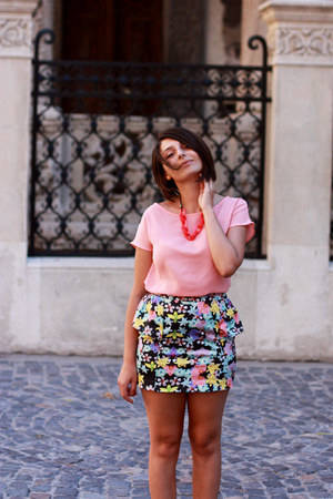 floral print Bershka skirt - pink bow BLANCO blouse