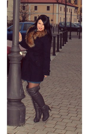 navy fur coat - heather gray knee boots - turquoise blue dress