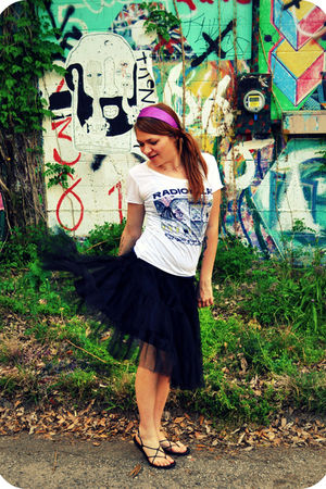 black Hand Made skirt - white Radiohead t-shirt - black michelle d shoes