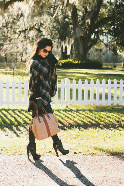 brown cape Zara cape - black heels Donald J Pliner boots