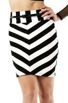 Black-and-white-skirt