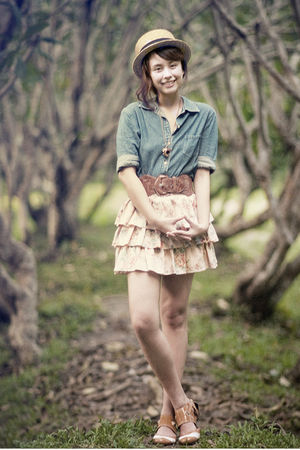 blue giordano blouse - brown brogued Mary Janes shoes
