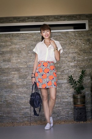 carrot orange River Island skirt - white Kate Spade for Keds shoes