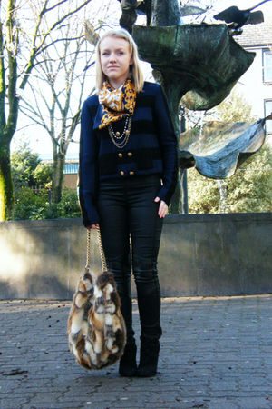 black H&amp;M pants - Topshop sweater - black Bershka boots - vintage scarf - brown 