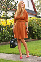 navy calvin klein bag - bronze shirt Esprit dress - salmon BCBG sandals