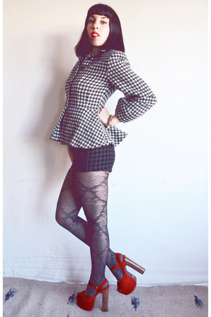peplum Vintage Norma Kamali jacket - houndstooth American Apparel shorts