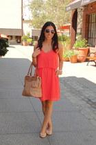 salmon Joa Closet dress - bronze olivia & joy bag - ray-ban sunglasses