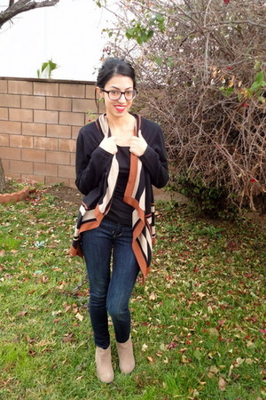 black August Silk cardigan - tan Shoedazzle boots - navy H&amp;M jeans