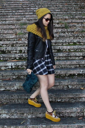 mustard H&M scarf - black leather Zara jacket - blue Zara purse