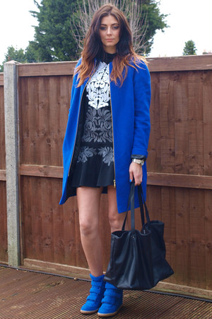 Marks &amp; Spencer coat - Stella McCartney dress - Zara bag - Ebay sneakers