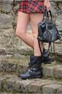Black-biker-primark-boots-black-beanie-primark-hat