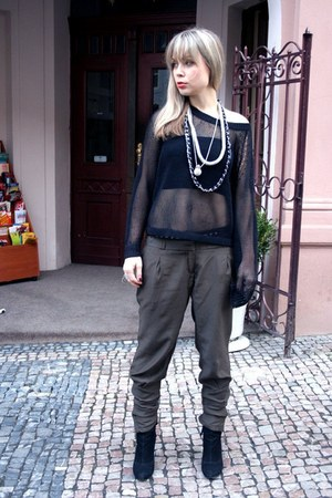 forest green New Yorker pants - black etam boots - black dolce&gabanna coat