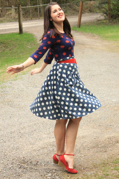 navy polka dot Fred Meyer shirt - navy polka dot thrifted skirt