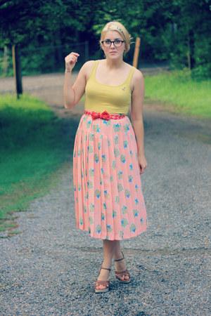 coral leaf print vintage skirt - mustard Target shirt