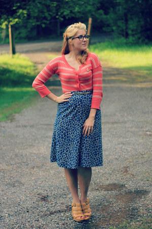 salmon striped Target cardigan - navy giraffe print vintage skirt