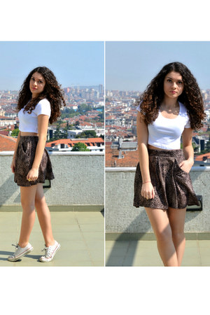 white Topshop t-shirt - brown Bershka skirt