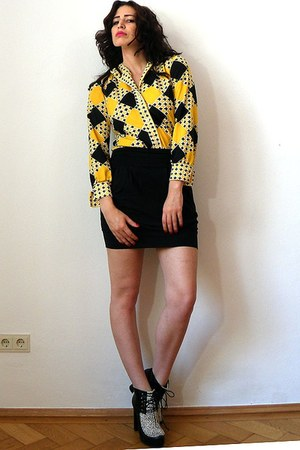 yellow panton print vintage blouse - off white pony leo print asos boots