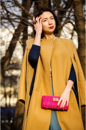 gold Alexander Wang coat - hot pink JCrew bag