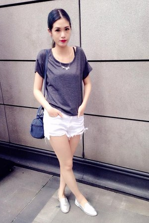 white shorts - silver shoes - navy Zara bag - gray t-shirt