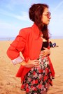 Salmon-casual-mymum-blazer-black-simple-pull-bear-top-flowers-h-m-skirt