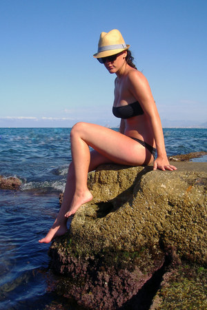 black tezenis swimwear - heather gray H&M hat - black H&M sunglasses