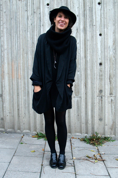 black Boutique in LA dress - black vintage hat - black H&M jacket