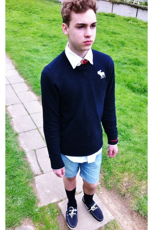 Tommy Hilfiger shirt - H&amp;M shorts - abercrombie &amp; fitch sweatshirt