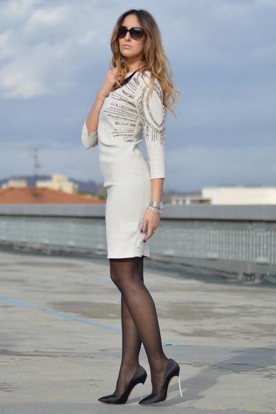 ivory Pinko dress - black Valentino sunglasses - black Casadei heels