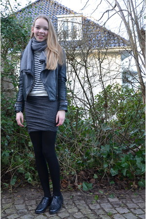 ruched jersey t by alexander wang skirt - cashmere COS scarf - striped COS top
