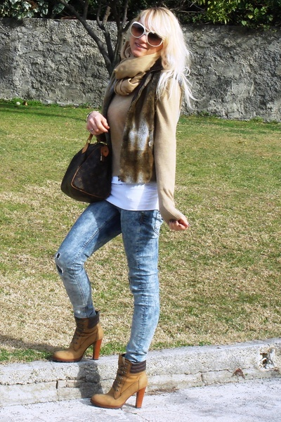 Ralph Lauren sweater - Manas Lea Foscati shoes - Zara jeans