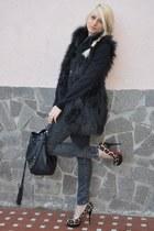 Zara jeans - faux fur Zara jacket - Via Repubblica bag - luciano padovan heels