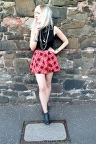 ruby red Primark skirt - black Forever21 boots - black Missguided top