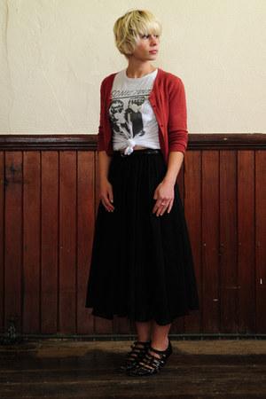 white sonic youth American Import t-shirt - black midi length Zara skirt - black