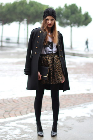 Isabel Lu skirt - Christian Louboutin boots - Foudre accessoires hat