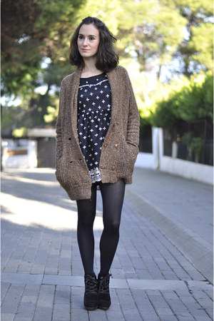 brown chunky Zara cardigan - black suede Mango boots - black romwe dress